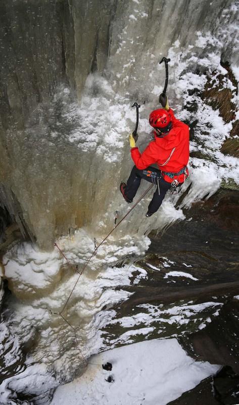 (Foto: Mike Jäger) Eisklettern an der Rübezahlstiege