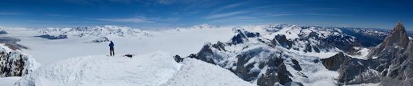 Panoramablick vom Gipfel des Cerro Torre