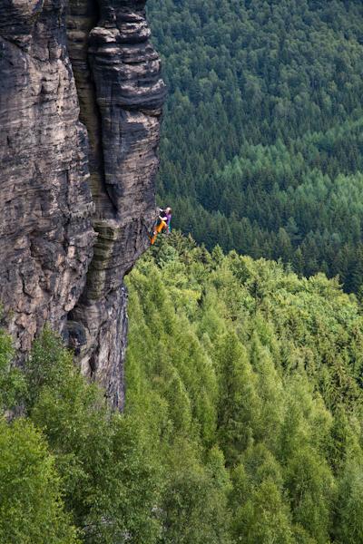 "Stefan Giron klettert ""Märchentürmerweg"" am großen Grenzturm"