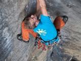 """Sebastian Brand klettert die """"Neue Nordverschneidung"""" am Klimmerstein"""